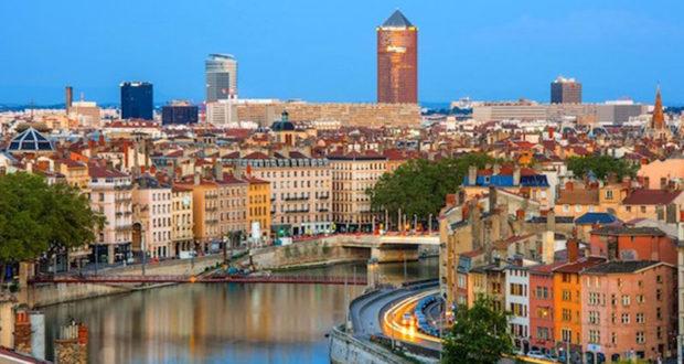 Voyage à Lyon en France pour 2 personnes (3000$)