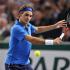 Raquette de tennis autographiée par Roger Federer