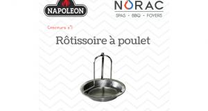 Une rôtissoire à poulet Napoléon en acier inoxydable
