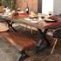 Une superbe table offerte par Wazo Furniture