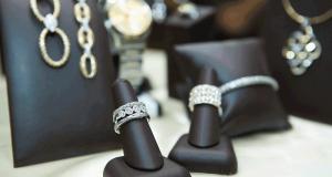 Une carte-cadeau Brentwood Jewelry de 750 $