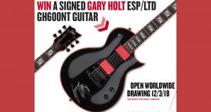 Une guitare électrique signée par Gary Holt (1 427 $)