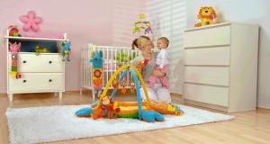 4 ensembles d'articles pour bébés (1000 $ chacun)