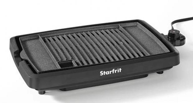 Un grill de cuisson d'intérieur BBQ sans fumée Starfrit