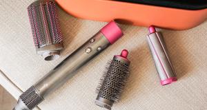 Une trousse de coiffure Airwrap Complete Dyson de 700 $