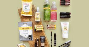 Un assortiment de maquillage et de soins